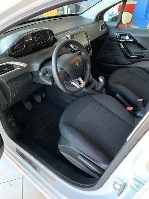 Peugeot 208 - Image 5