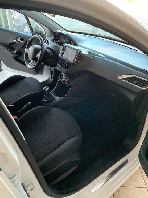 Peugeot 208 - Image 9